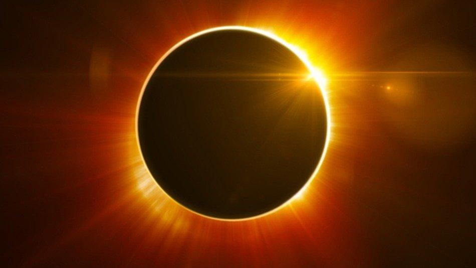 Cómo prepararse para el eclipse solar que el 20 de marzo oscurecerá Europa