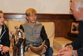 El alcalde de Mérida recibe a los subcampeones de Europa de Pasodoble para menores de 12 años
