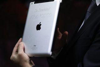 Subastan un iPad del papa Francisco
