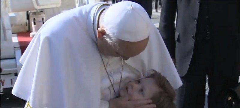 """Papa: """"Los niños son en sí mismos una riqueza para la Humanidad y para la Iglesia"""""""