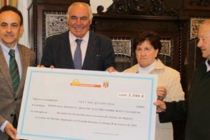 Pedro Acedo y el Mérida AD entregan al Comedor Social 3.500 euros