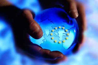 """Los jóvenes son más """"europeístas"""" y confían más en los líderes de la UE"""