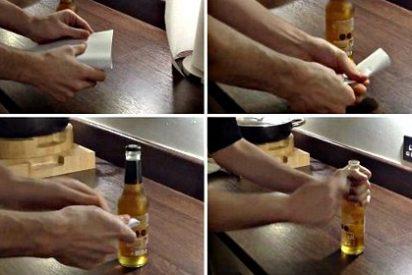 ¿Sabes que puedes abrir una botella de cerveza usando sólo una sola hoja de papel?