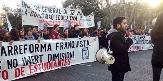 La jornada de huelga estudiantil vuelve a sacar a las calles a estudiantes y profesores