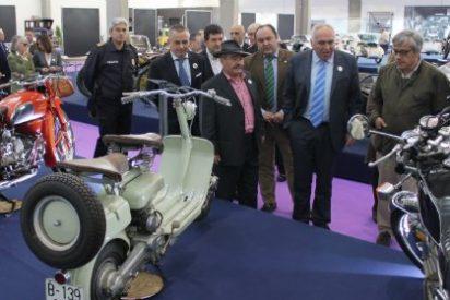 El alcalde de Mérida inaugura el Museo de vehículos históricos
