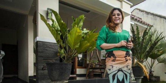 Insólita oferta en Indonesia: Vendo casa con mujer incluida