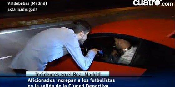 [VÍDEO] Dos impresentables insultan e intentan agredir a Bale y Jesé en Valdebebas