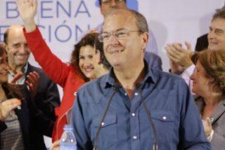 """Monago dice que los extremeños """"no se pueden encomendar a san Podemos"""""""