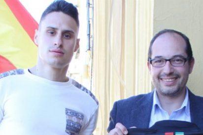 José Luis González, Campeón de España Amateur de Muay Thai, recibído en el Ayuntamiento de Mérida