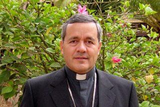 Juan Barros Madrid, de general degradado a obispo de Osorno