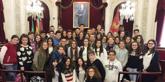 Escolares de las Josefinas de Mérida viajan por la igualdad a Cádiz
