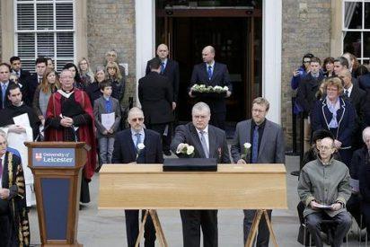 Ricardo III recibe cinco siglos después digna sepultura