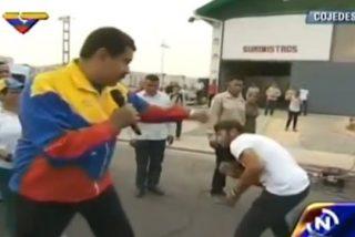 De esta forma da puñetazos Nicolás Maduro en una calle de Venezuela:
