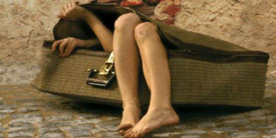 Un 'despistado' se va de viaje y mete a su mujer dentro de la maleta