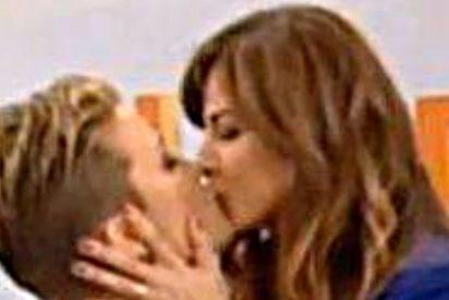 Mariló Montero se besa en la boca con María Casado