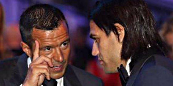 Negociará esta semana por Falcao y De Gea