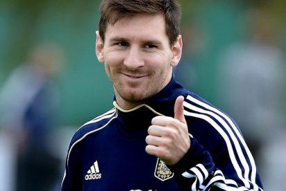 Leo Messi hace otro triplete y caza a Cristiano Ronaldo en el Pichichi