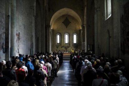 El sur de los Alpes rinde homenaje cristiano a las víctimas del A320