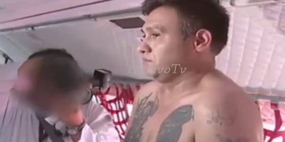 [Vídeo] Así desnudaron al tatuado narco asesino 'Z-42' que puso cara de bueno