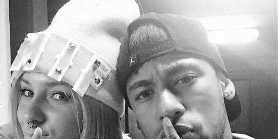 Neymar y una tronsita de 'MYHYV' fotografiados juntos