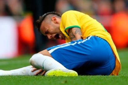 """Neymar se queja del patadón de Medel en el Brasil-Chile y éste le responde llamándole """"teatrero"""""""