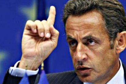 El beso a la francesa de Sarkozy al socialismo: arrasa en otra vuelta de las departamentales