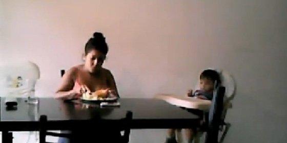 Unos padres descubren a través de una webcam cómo la niñera maltrataba a su bebé