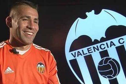 Colocan a Otamendi fuera del Valencia el próximo verano