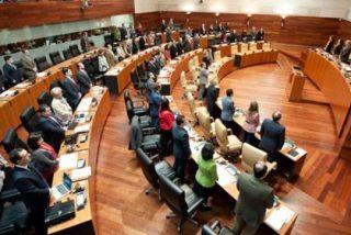 El Parlamento de Extremadura pide la retirada del currículo de Religión