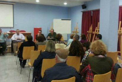 García Lobato, alcalde de Almendralejo, continúa reuniéndose con los diferentes colectivos más representativos