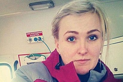 Las terribles fotos de la enfermera despedida por hacerse selfies con moribundos