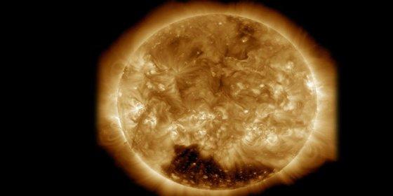 El misterioso agujero negro que hace temer que el Sol ¡se esté apagando!