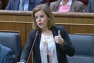 """Sáenz de Santamaría reivindica que el PP """"sabe hacer buena política económica"""""""