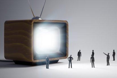Si el Gobierno Rajoy da vía a libre a los patrocinios en RTVE, Mediaset y Atresmedia 'perderán' 78 millones
