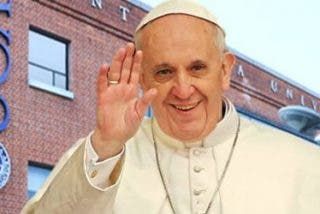"""Francisco, a los futuros teólogos: """"No se conformen con una teología de despacho"""""""