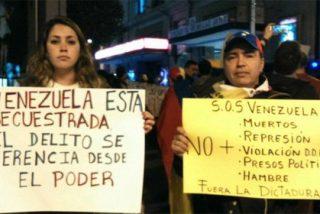 Expulsan a un reportero de PD y a una periodista de 'Espejo Público' de una exposición chavista