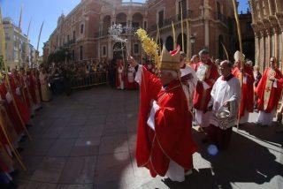 """Cañizares invita a orar en Semana Santa por """"los crucificados de nuestra época"""""""