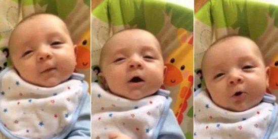 """El vídeo del bebé de 7 semanas que dice """"¡Hola!"""" con una amplia sonrisa"""