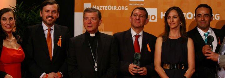 Premios de Hazteoír para monseñor Martínez Camino y José Luis Restán