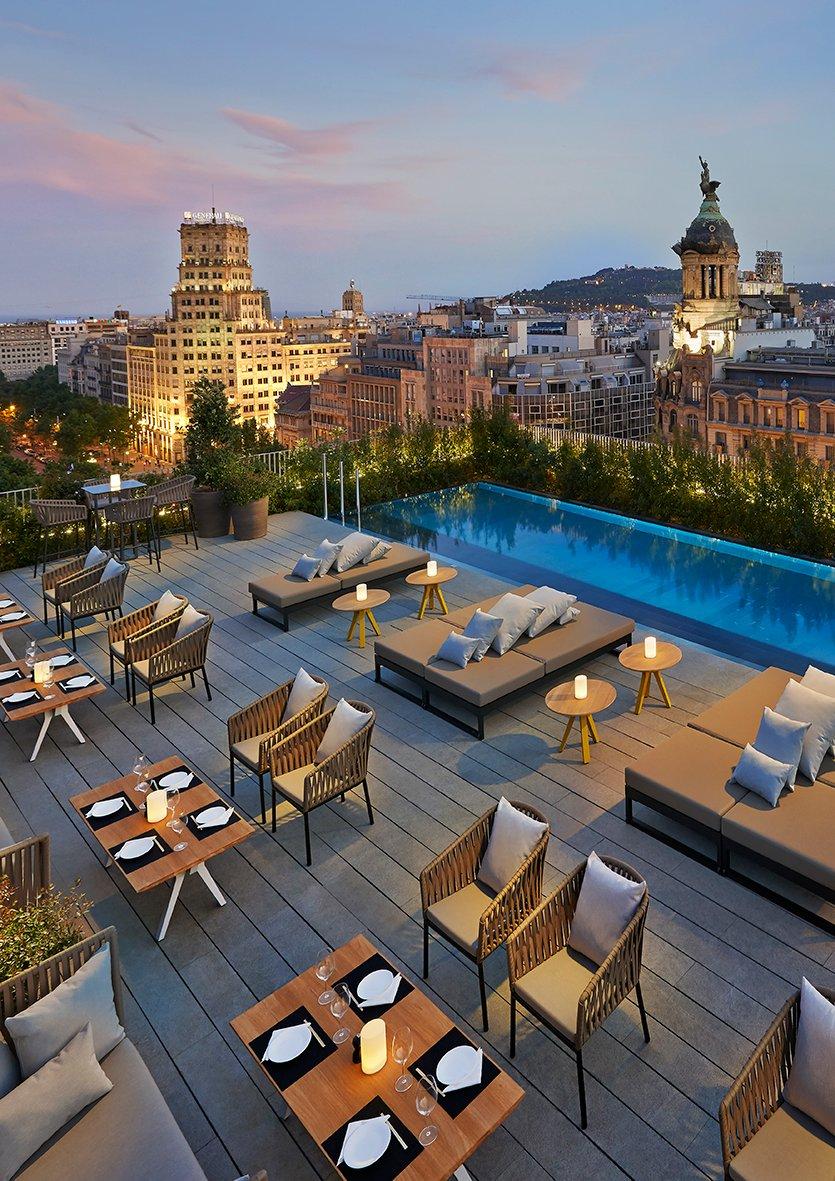 Sant Jordi inaugura la temporada de terrazas en Mandarin Oriental, Barcelona