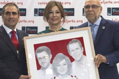 Ana Rosa Quintana recibe el Premio a la Excelencia Picota del Jerte 2015