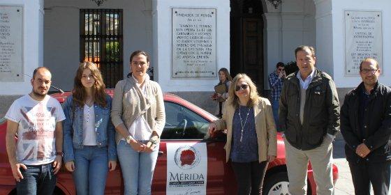 El Ayuntamiento de Mérida dona alimentos para un proyecto solidario