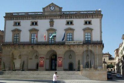"""Luis Salaya califica de """"inocentada"""" el balance realizado por la alcaldesa de Cáceres"""