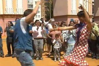 [Vídeo] Las sevillanas que se marca Podemos para protestar son de perder la chaveta