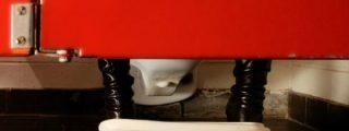 Desvelan el secreto mejor guardado: ¿Por qué las mujeres tardan tanto en los baños públicos?