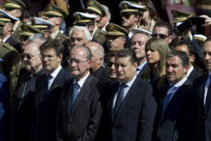 Bauzá se las ve venir: asiste al desfile de la Legión con Cristo de la Buena Muerte