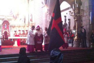 El Arrastre de Caudas, un antiquísimo rito católico que sólo sobrevive en Quito