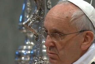 """Francisco pide a los sacerdotes """"olor a oveja y sonrisa de padre"""""""