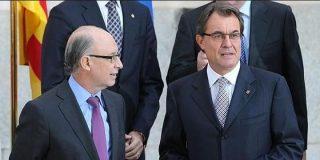 Mas retoma su hoja de ruta separatista mientras Montoro paga las facturas de la Generalitat