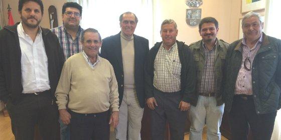 Alcaldes de las entidades locales menores y el Alcalde de Don Benito protagonizan una emotiva despedida